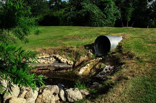 sewage pipe polluted water 3465090 640